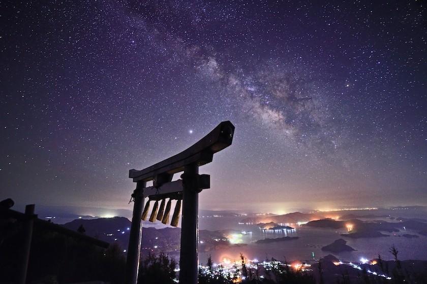 山の上からみる星空